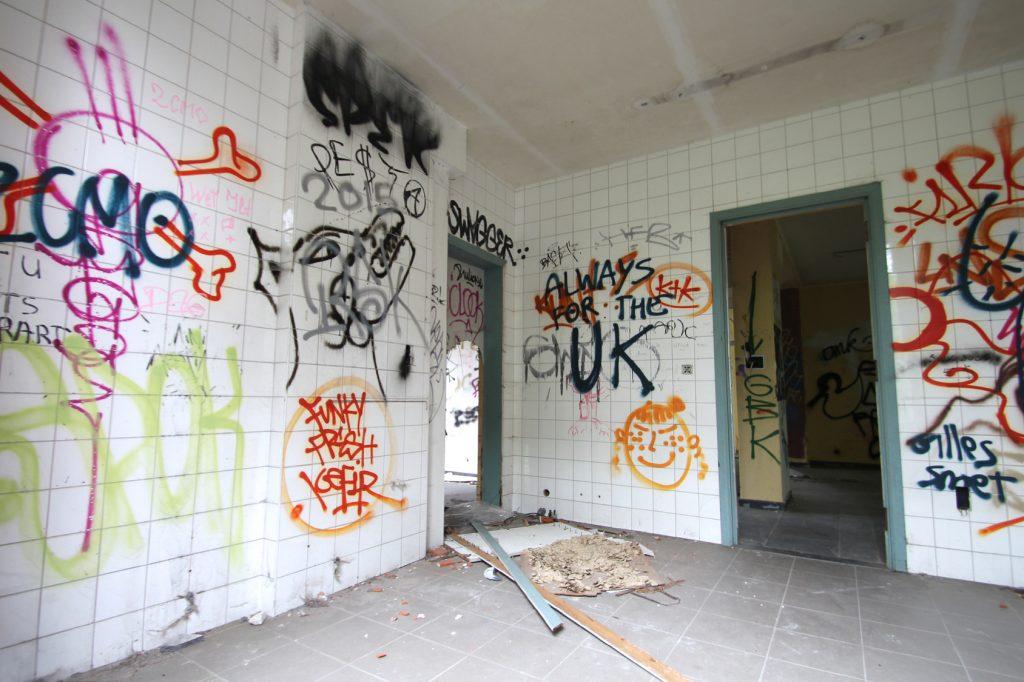 Grafitis / Intrieur de maison abandonne (Doal - Belgique)