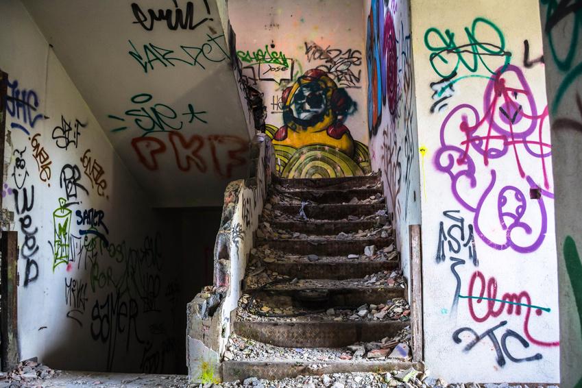Cage d'escaliers squattées